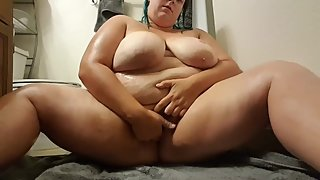 North Dakota BBW Teen Masturbates after shower