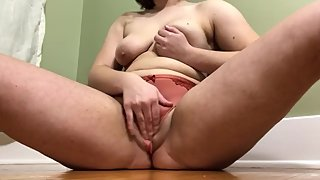 Teen Masturbates with New Njoy Toy Creamy and Wet Orgasm