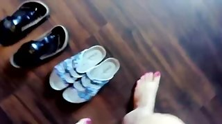Girl shows her sexy feet in birkenstock gizeh